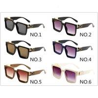 Nouveau 0993 Mode Sunglasses classiques Men et Femmes Shade Brand Lunettes Square Uv400 Lunettes de soleil de luxe avec boîte et tissu