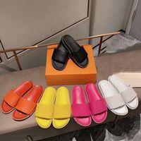 Kadınlar Siyah Düz Waterfront Katır Terlik Çiçek Kabartmalı Slaytlar Sandalet Tasarımcı Ayakkabı Pembe Turuncu Mavi Beyaz Kauçuk Outsole