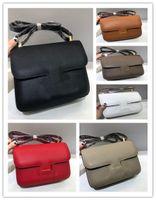Tasarımcı Lüks Constance Omuz Çantası Siyah Mini Deri Çanta Çanta Deri Turuncu Omuz Askısı Boyutu: 23 * 17 * 7 cm
