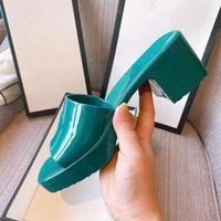 Luxusdesigner Frauen Sandalen Hausschuhe High Heels Candy Colors Gummi Feste Gelee Schuhe Mode Urlaub Strand Sommerscheiben Slip-on Liß {Kategorie}