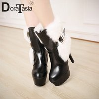 Doratasia 33 43 جديد أزياء فو الفراء أحذية النساء منصة عالية حزام مشبك سيدة عالية الكعب أحذية امرأة حزب مثير الكاحل أحذية الفخذ أحذية عالية 340F #