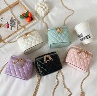 Designer Bambini Diamond Box Borse in Ins Girls Catena di metallo Lettera PU in pelle PU Borsa a tracolla Borse di lusso Mini borsa da trucco A4422