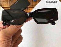 Óculos de sol de luxo AWG para mulheres com rebites Proteção UV Mulheres Designer Vintage Quadrado Completo Quadro Superior Vindo com Pacote