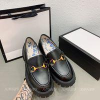 2021 College Stil Mädchen Kleid Plattform Schuhe Kleine Biene Stickerei Horsebit Designer Luxurys Müßiggänger Freizeitschuh Hohe Qualität Größe 35-40