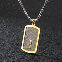 Colar de pingente de cartão preto de ouro para homens com 66cm longa cadeia fresco de aço inoxidável mens acessórios de jóias logotipo nome grave 724 Q2