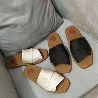 Kadın Flats Woody Düz Katır Sandal Grove Kahverengi Buzağı Slaytlar Tuval Slip-On Terlik Yumuşak Tan Print İşlemeli Kauçuk Alt Ayakkabı