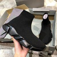 جودة عالية كلاسيكية سلسلة الجوارب المسطحة الأحذية عارضة الأحذية بيع الثلاثي الأسود الأحمر الأصفر أزياء الرجال والنساء الأحذية الرياضية تنفس