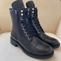 Lüks Tasarımcı Moda Kadınlar Martin Çizmeler Cowskin Deri Yüksek Sonu Üst Seviye Kaliteli Knight Boot Danteller Ayarlanabilir Fermuar Açılış Siyah Bayanlar Açık Bootie
