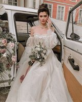 Nouveau Design Off Off Epaule Puffy Sleeve Dot Tulle Robes De Mariée Pour Bridal Sexy Robe longue à manches longues 3D robe de mariée