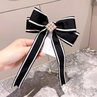 Gestreepte vlinderdas Broche Mode Koreaanse College Stijl Rhinestone Pearl Ribbon Haarspelden Kraag Bloem Dameskleding Accessoires Neck Ties