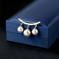 Creative simple three anti slip imitation Pearl Brooch windbreaker decoration gift