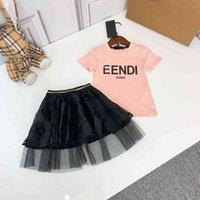 2021 Summer Designer Girls T-shirt + Gonne 2Pics Set Abbigliamento per bambini Girls T-shirt T-shirt Bluffy Gonna in pizzo per ragazze maglietta rosa