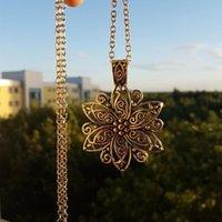 Anhänger Halsketten Vintage Schmuck Böhmische tibetische Kette ethnische Hohl Carved Metal Blume Anhänger für Frauen