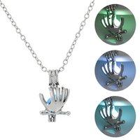 Pérola segurando pingente de noite com criatividade personalizada DIY mão luminosa colar de gaiola