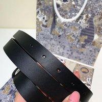 الإناث حرف حزام للنساء مصمم جلد حقيقي الأزياء النحاس النقي مشبك جودة عالية هدية مربع أحزمة