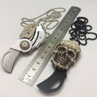 Outdoor Skull Key Catch Mini Pendant Folding fruit peeling Knife Gift EDC cutting tools blister packing