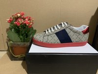 2021 En İyi Kalite Şerit Yeni Tasarımcı Ayakkabı ACE Işlemeli Erkek Gerçek Deri Tasarımcı Sneakers Kadın Adam Rahat Ace Ayakkabı