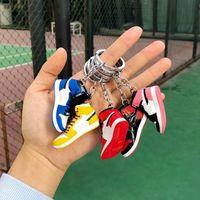 Mini 3D Stereo Sneaker Anahtarlık Kadın Erkek Çocuklar Anahtarlık Hediye Lüks Ayakkabı Anahtarlıklar Araba Çanta Anahtarlık Basketbol Ayakkabı Anahtar Tutucu