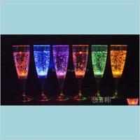 Bicchieri di vino Drinkware cucina, sala da pranzo Bar Giardino domestico 6DOT8 * 18 cm Liquido Liquid Led Champagne Vetro Light Up Flash Drink Cup Club