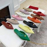 Bayan Moda Lüks Tasarımcılar Sandalet Düz Slaytlar Flip Flop Terlik Buzağı Hakiki Deri Sivri Seksi Bayanlar Muller Altın Metal Perçin Ayakkabı