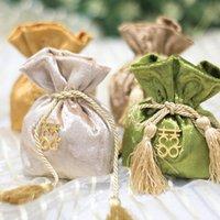 Envoltura de regalo Multi Clour Bolsas con borla de oro espesa Tela de terciopelo Tela Casos de caramelo Vintage para fiesta Casamento Decoración de mesa para llevar