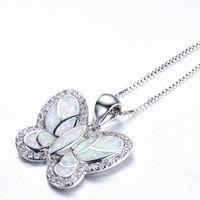 Pendant Necklaces Fashion Butterfly Crystal Choker Necklace Women White Imitation Opal Long Statement Boho Animal Jewelry