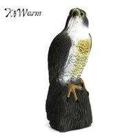 Kiwarm EST LifeLike Fake Falcon Hawk Hunting Decoy DiseRente a Scarer Saceller Garden Caje Decoración Adornos 210929