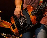 Super rare 4 cuerdas Michael Anthony Van Helen Chickenfoot Whisky Black Electric Bass Guitar Hardware negro, Pieza trasera Trémolo