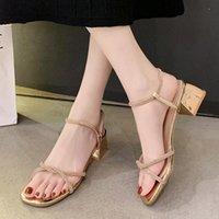 Sandalias 2021 Summer Bling Ladies Crystal Sexy Heels Shoes para oro Banda estrecha Sandalias Mujer White Boda 9037C