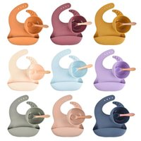 Bibs & Burp Cloths Baby Silicone Bowl Set Non-slip Children's Suction Plate Wooden Handle Spoon Dishes Feeding Tableware