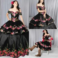 Sexy Black Two Piece Detachable Skirt Quinceanera Dresses 3D Floral Flowers Ball Gown Off Shoulder Satin Vestido de Sweet 15 Prom Eveening Dress