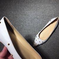 2021 Calzado de verano de la mejor calidad Zapatos de verano Claro Rojo plano Tacones de fondo Grnuine Cut-outs Glitter Remaches Rhinestone Office Carrera Party Tamaño 35-41