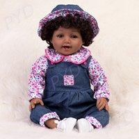 23-Zoll-lebensechtes Reborn-Baby-Puppen Afroamerikaner-Mädchen-Vinyl-Silikon-Puppe dunkel / braune Haut Neugeborene Babys Weihnachten Bday Geschenke