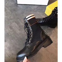Luxuriöse Designer Womens Hälfte Stiefel Schuhe Winter Chunky med Heels Plain Quadratische Zehen Schuh Rainboots Reißverschluss Frauen Mid Calf Beute Verschleißfest Dicke Sohle Boot A998