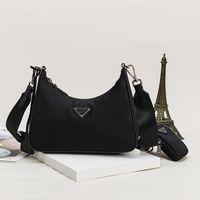 Kadın Lüks Tasarımcılar Çanta 2021 Göğüs Paketi Bayan Tote Zincirler Çanta Messenger Sırt Çantası Naylon Crossbody Çanta Avrupa ve Amerikan Moda Vahşi