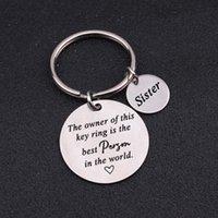 Anahtarlıklar Bu anahtarlığın sahibi, dünyadaki kardeşi kız kardeşi baba anne özel takı oyulmuş etiket anahtarlık