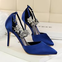 Diamond six-color silk women Shoes Red Bottoms High Heels Sexy Pointed Toe Red Sole 9.5cm Pumps Come With Logo dust bags Wedding shoes