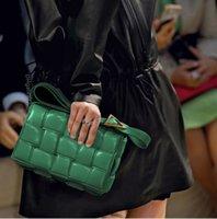 2021 SS Yastıklı Kaset Çanta Bayanlar Tek Omuz Çantası Çanta En Kaliteli Altın Bitirmek Metal Çanta Kadın Moda Klasik Vahşi Crossbody Çapraz vücut çanta