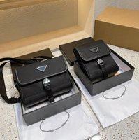 2021 الفاخرة الرجال أكياس الهاتف الأسود المصممين crossbody واحدة الكتف ماركة المحافظ محافظ عارضة مصغرة تغيير حقيبة نايلون مغلفات مع مثلث للجنسين PD2101071