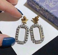 Stud Pearl Studs Pendientes de diamantes completos Mujeres retro letra letras de amor con diamantes de plata con aguja anti-alergia