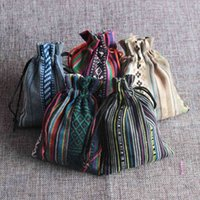 Novos 50 pçs / lote étnica vento sacos de algodão 9x13cm Colorful Stripe Doces Presentes de Jóias Embalagem de Jóias Bonito De Algodão Drawstring Saco De Presente 210331
