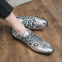 Sapatos de vestido Moda italiana Mocassins masculinos Homens para casamento Piergitar Mens Homem Sneakers Oxford couro sapato tendência casual masculino