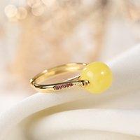 المجوهرات الجميلة S925 فضة مذهب العسل الطبيعي العنبر العنبر خواتم الحلو البيضاوي السيدات خاتم أنيق K0138