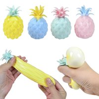 8cm mignon ananas fidget jouets enfants Soft stress boules de décompression de la pression de la pression de bureau de bureau de bureau antistress gyq