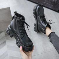 Сапоги Рок Обувь Женщина Mid-Calf Пинетки Женщины Роскошные Дизайнерские Сапоги Женщины Низкие каблуки Круглый Ног с серединой 2021