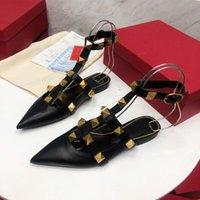 A1 2021 Top Designers de couro de alta qualidade chinelos Explosive rebite elementos de luxo vistoso com uma altura de 1cm 35-42 tamanhos