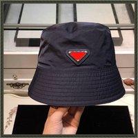 2021 إمرأة دلو قبعة شقة Chapeaux Luxurys مصممين القبعات قبعات أزياء بنما القبعات موتز رجل عارضة فيدوراس كاب إلكتروني ص مثلث قبعات