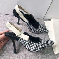 مصمم الصنادل المسطحة وحيد أحذية واحدة أحذية صغيرة رئيس مربع مربع الظهر فارغة القوس رقيقة عالية الكعب الصيف المرأة تنوعا baotou