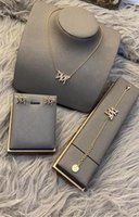 2021 классические алфавитные серьги для женщин веб-знаменитость аналогичный стиль нишевые дизайн ожерелье браслет