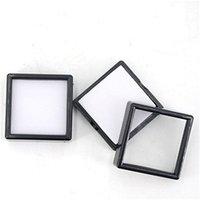 80 unids de plástico cuadrado Paquete de diamante de diamante suelto blanco Caja de gema blanca Negro Memoria de espuma Pad Beads Caja colgante Showcase 3 * 3 * 2CM621 T2